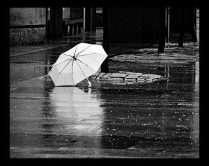 paraguas blanc i negre