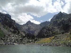 """""""estany i pic de Monestero """"parc natural d'aigues tortes -Lleida-"""""""